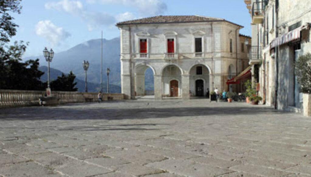 ABRUZZO_civitella_piazza%2Bfilippi%2Bpepe.jpg