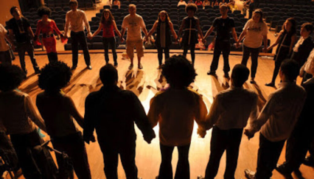 staging_theatre_emotion_drugs_misery_black_stage_audience-1241843.jpg%2521d.jpeg